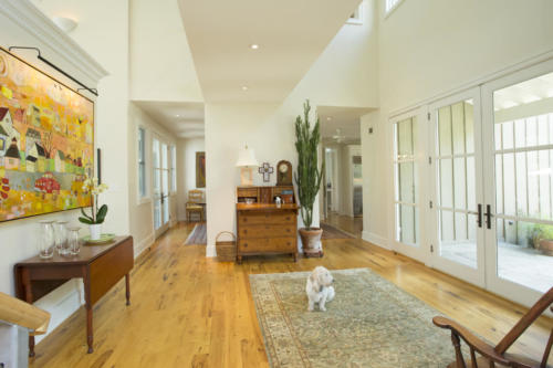 Across the Pond gallery and foyer
